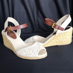 Chaps brand wedge, sz10, cream lace detail